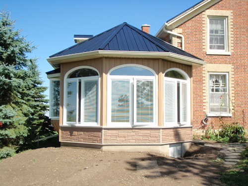 Jones construction company durham region new home for Victorian sunroom